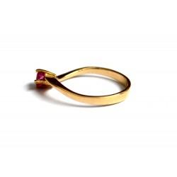 inel aur 14k cu rubin natural